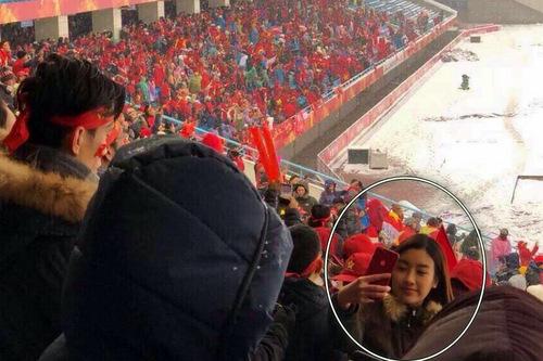 Mỹ Linh không thông báo gì về việc có mặt tại Trung Quốc do chưa chắc xin được visa. Cô phải bắt tàu cao tốc về chuyến bay đến Thường Châu bị hủy do tuyết rơi quá dày.