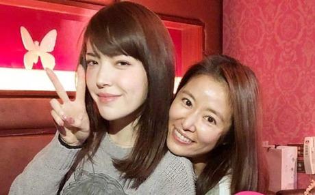 Nhiều bạn thân thiết của Lâm Tâm Như tới chúc mừng cô, trong đó có diễn viên Hứa Vỹ Ninh.