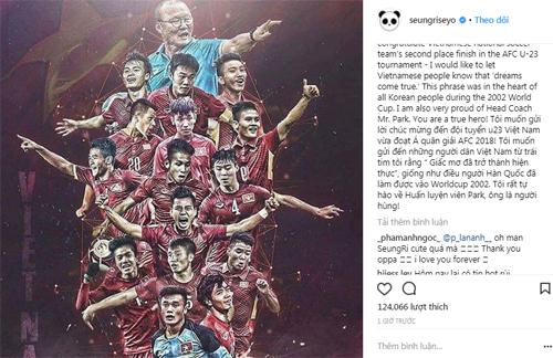 Seungri đăng ảnh U23 Việt Nam và chúc mừng đội tuyển cùng ông Park Hang-seo.