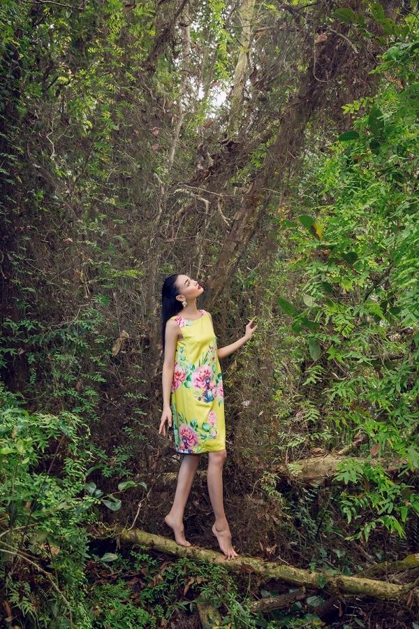 Kha Mỹ Vân, Thùy Trang diện váy họa tiết cún