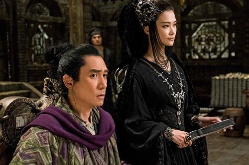 Lương Triều Vỹ (trái) trong Truy lùng quái yêu 2.