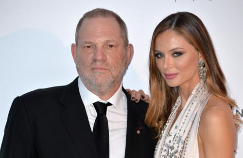 Harvey Weinstein được cho là từng buộc các sao Hollywood phải mặc trang phục do vợ - Georgina Chapman - thiết kế. Ảnh: CBC.