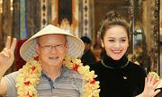 Bà xã Thanh Bùi đón tiếp thầy trò đội tuyển U23 tại TP HCM