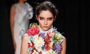 Những bộ đầm được làm kỳ công ở Tuần thời trang cao cấp Paris