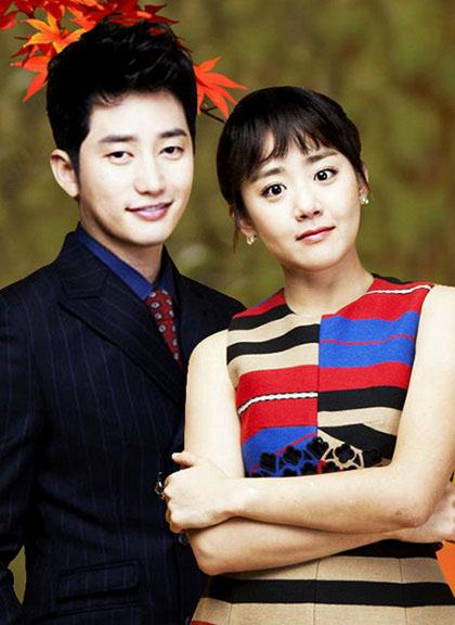 Năm 2012, Moon Geun Young kết hợp đàn anh Park Shi Hoo trongphim Nàng Alice phố Cheongdam-dong (Cheongdam-dong Alice). Cô thủ vaoHan Se Kyung - nhà thiết kế thời trang tài năng - có nhiều ước mơ và hoài bão. Tại công ty thời trang lớn, cô bị phu nhân của chủ tịch - bạn cũkiêm kẻ thù không đội trời chung- bắt làm chân sai vặt.Se Kyung sau đó lên kế hoạch phảikết hôn với người đàn ông giàu có ởphố Cheongdam-dong để đổi đời.