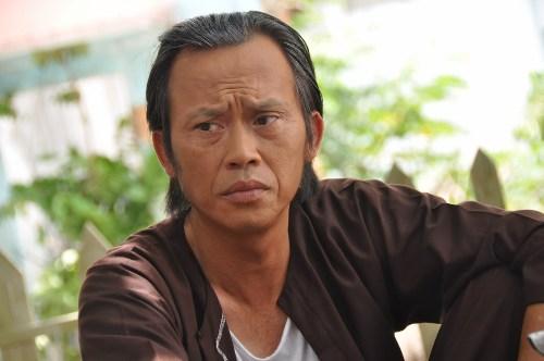 Nghệ sĩ Ưu tú Hoài Linh vào vai ông Hai trong Tía ơi con muốn vợ rồi.