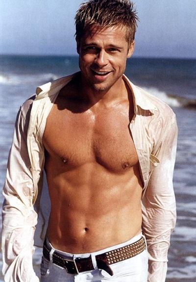 Tài tử Brad Pitt sinh năm 1963, cao 1,8 m.