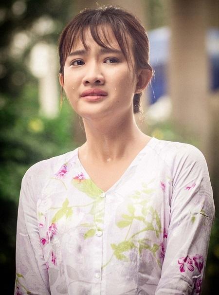 Thanh Vy hóa thân gái quê trong phim.