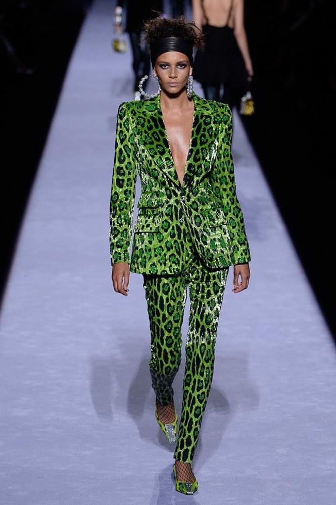 """<p class=""""Normal""""> Trong khuôn khổ Tuần thời trang London Thu Đông 2018, Tom Ford ra mắt bộ sưu tập mới với trường phái tân cổ điển quen thuộc.</p>"""