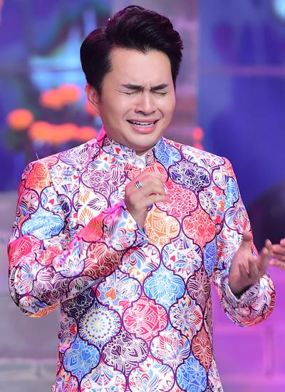 Nam Cường khóc khi chiến thắng cuộc thi hát Bolero.