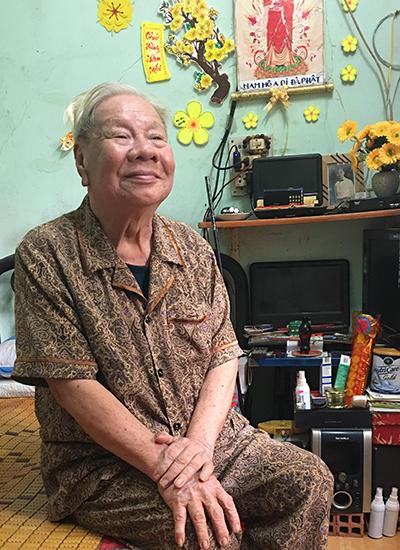 Nghệ sĩ Lam Sơn.