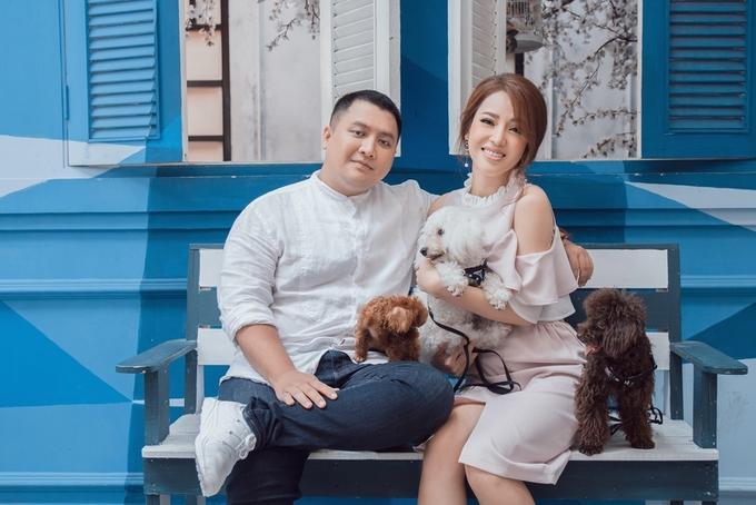 Con trai NSND Diệp Lang cùng bạn gái đón Valentine sớm
