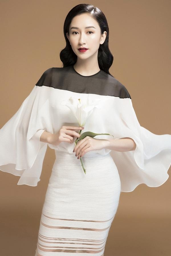 Hà Thu gợi ý váy áo đơn sắc dự tiệc ngày Tết