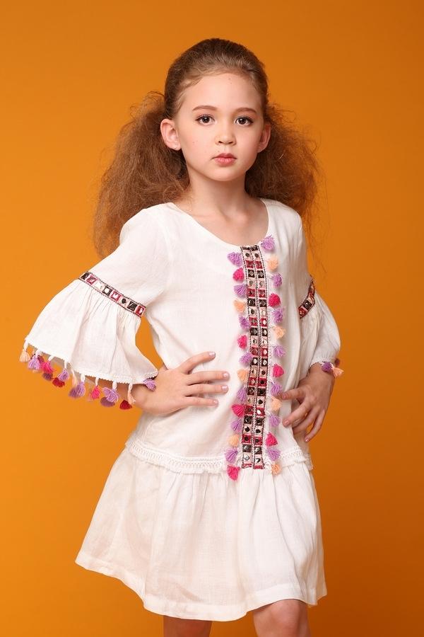 Cựu người mẫu Ngọc Nga chụp ảnh thời trang cùng 3 con lai