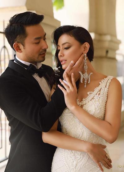 Whulandary Herman sinh năm 1989, cao 1,76 m. Cô là MC, người mẫu, hoa hậu tại Indonesia. Người đẹp 28 tuổi đăng quang Hoa hậu Indonesia 2013 và đại diện nước này thi Miss Universe cùng năm. Whulandary Herman có mặt trong Top 16 của Hoa hậu Hoàn vũ 2013.