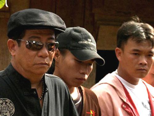 Cố diễn viên Nguyễn Hậu (trái) trong phim.
