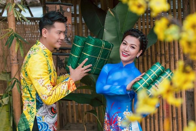 Hồ Đức Vĩnh và người đẹp Đắk Lắk mặc áo dài đôi