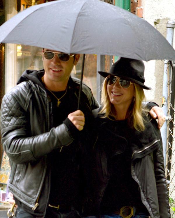7 năm mặn nồng của vợ chồng Jennifer Aniston trước khi ly hôn