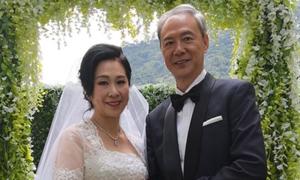Tài tử 'Thiên Long Bát Bộ' TVB kết hôn ở tuổi 63