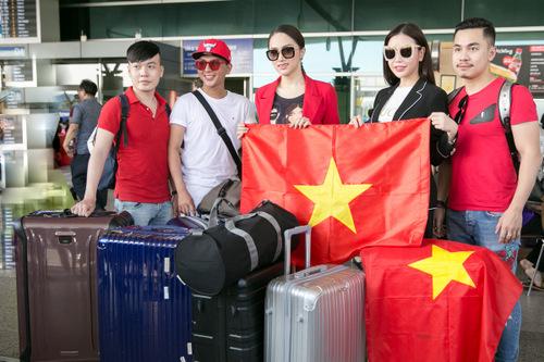 Hương Giang Idol đem 105 kg hành lý đi Thái Lan thi hoa hậu
