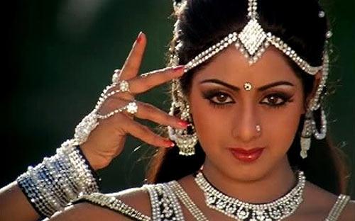 Nhan sắc qua thời gian của minh tinh Ấn Độ nổi tiếng nhất mọi thời đại - 11