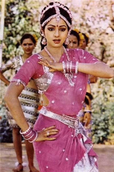 Nhan sắc qua thời gian của minh tinh Ấn Độ nổi tiếng nhất mọi thời đại - 4