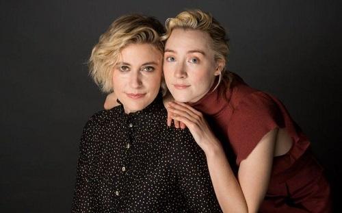Greta Gerwig (trái) vàSaoirse Ronan.