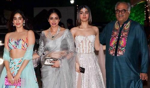 Sridevi và gia đình.