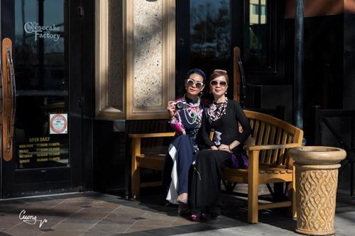 Vừa qua, thương hiệu Chuồn Chuồn Ớt của nhà thiết kế Sương Nguyễn tung ra bộ sưu tập áo dài Cô Ba du xuân, ghi điểm với đông đảo khách hàng, trong đó có NSƯT Mỹ Uyên, Hoa hậu Biển Ninh Hoàng Ngân, vợ chồng diễn viên Bình Minh, doanh nhân Lê Hoài Anh&