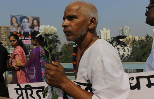 Hoa hậu Thế giới và dàn sao tiễn biệt huyền thoại màn bạc Ấn Độ - 11