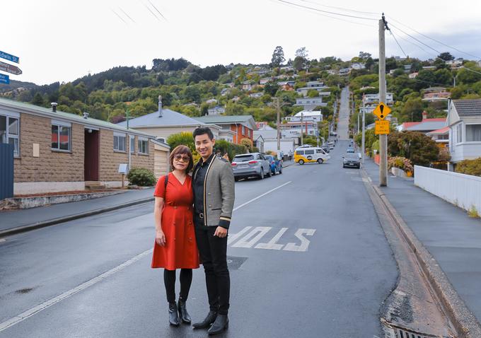 Nguyên Khang cùng mẹ du lịch New Zealand