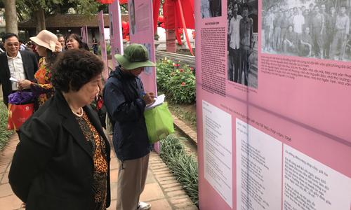 Kỷ niệm 50 năm cuộc Tổng tiến công và nổi dậy Tết Mậu Thân năm 1968, tại giếng Thiên Quang, ban tổ chức trưng bày những ấn phẩm, chân dung các nhà văn, thơ nổi tiếng là cựu chiến binh hoặc liệt sỹ. Hội thơ quy tụ rất đông người lính từng tham gia chiến trường. Với họ, những vần thơ của đồng đội là kỷ niệm khó phai trong thời khắc sinh tử.