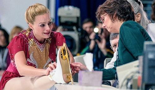 Một cảnh nhiều cảm xúc của Margot Robbie trong phim.