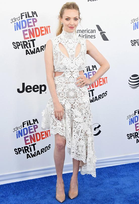 Penelope Cruz đẹp nhất tuần với đầm cúp ngực