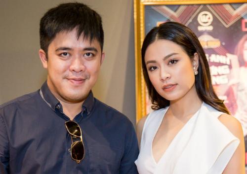 Nhà báo Trần Minh (trái) là người chấp bút tự truyện Vàng Anh và Phượng Hoàng.