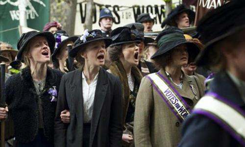 Cuộc biểu tình đòi quyền bẩu cử trong Suffragette.