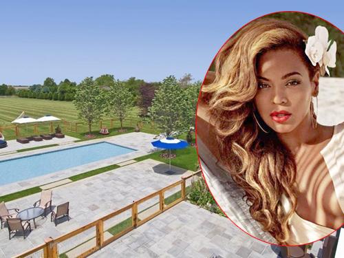 Ngôi nhà ở Bridgehampton, New York của vợ chồng Beyonce và Jay Z được họ dùng làm nơi ở vào dịp nghỉ hè. Nơi đây có không gian thoáng đãng, xây xanh và bể bơi ngoài trời.