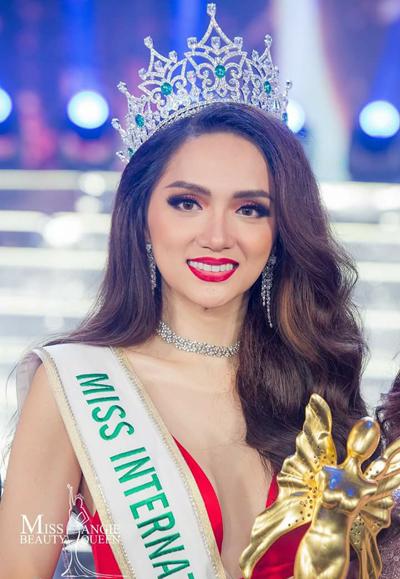Chung kết Hoa hậu chuyển giới Quốc tế 2018 diễn ra tối 9/3 tại Pattaya, Thái Lan. Đại diện Việt Nam - Nguyễn Hương Giang - đăng quang sau khi vượt qua 27 thí sinh.