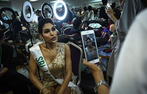 Người đẹp Sri Lanka, Noel Tokuhisa, chia sẻ cùng người hâm mộ trên mạng xã hội.