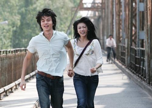 Cùng năm, anh gây ấn tượng vớikhán giả Việt Nam qua vai chínhPark Eun Woo trong phim Cô dâu Hà Nội, đóng cùng Kim Ok Bin. Tác phẩm do đài SBS thực hiện nhằm kỷ niệm 30 năm kết thúc chiến tranh tại Việt Nam.