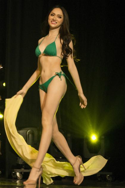 Cuối năm 2017, người đẹp quyết định tham gia  Hoa hậu chuyển giới Quốc tế 2018.