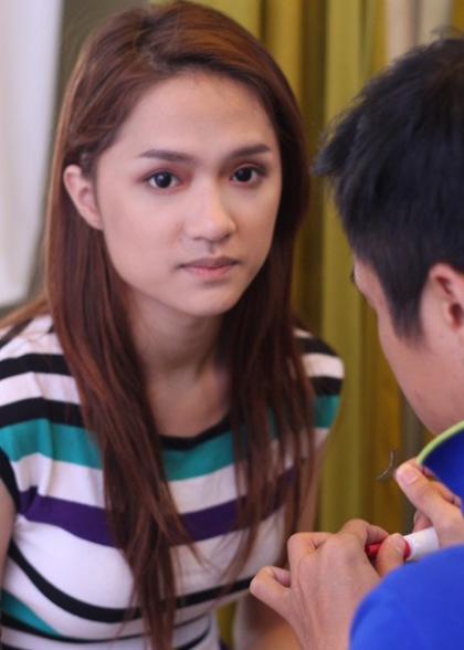 Mặt mộc của Hương Giang tại Vietnam Idol 2012. Từ cuộc thi này, cô trở thành cái tên được chú ý với câu chuyện chuyển giới.
