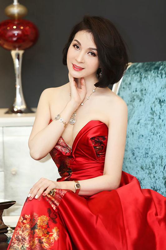 Vẻ đẹp nghệ sĩ Thanh Mai theo thời gian
