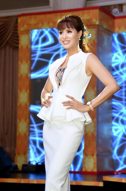Á hậu Băng Châu để lại ấn tượng tại sự kiện ra mắt Phụ nữ quyền năng - 1