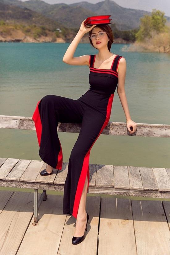 Siêu mẫu Thu Hằng chọn váy áo tôn vóc dáng