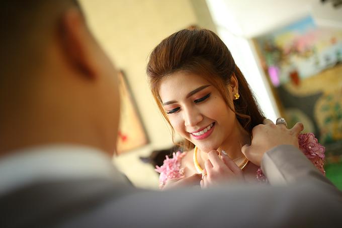 Ca sĩ Tố Ny đính hôn với bạn trai cơ phó