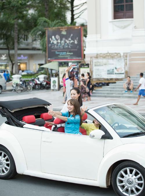 Trương Quân Ninh, Tiết Khải Kỳ quay một phân cảnh trước Nhà hát TP HCM.