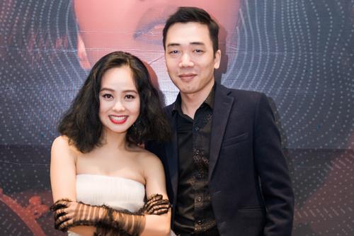 Nhạc sĩ Đỗ Bảo tới chúc mừng đàn em Hoàng Quyên ra album mới. Ảnh: Giang Huy.
