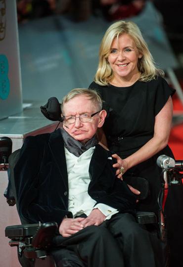 Stephen Hawking và con gái - Lucy Hawking.