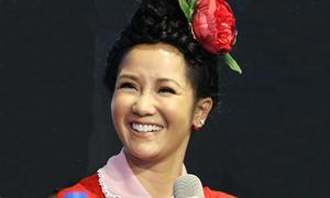 Hồng Nhung bất ngờ khi được fan mừng sinh nhật